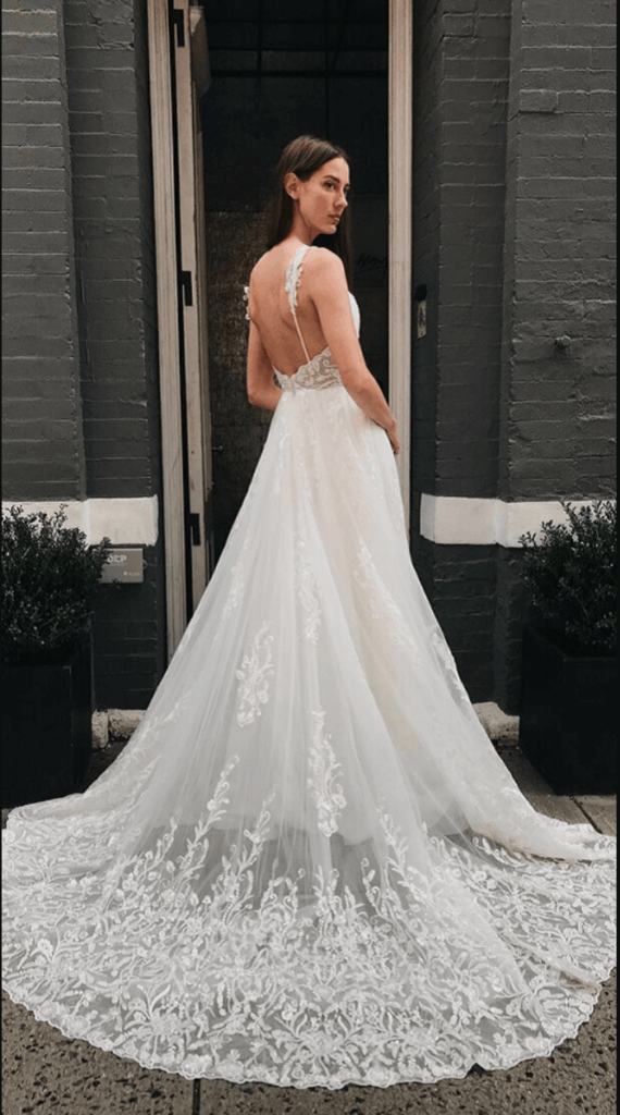 Loren dress with lace train